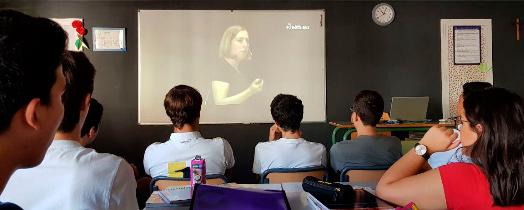 Alumnos durante el RecreoNaukas 27/09/18 viendo la charla de Deborah García Bello