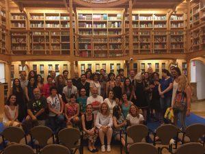 Reunión masiva de participantes en los cursos de Verano