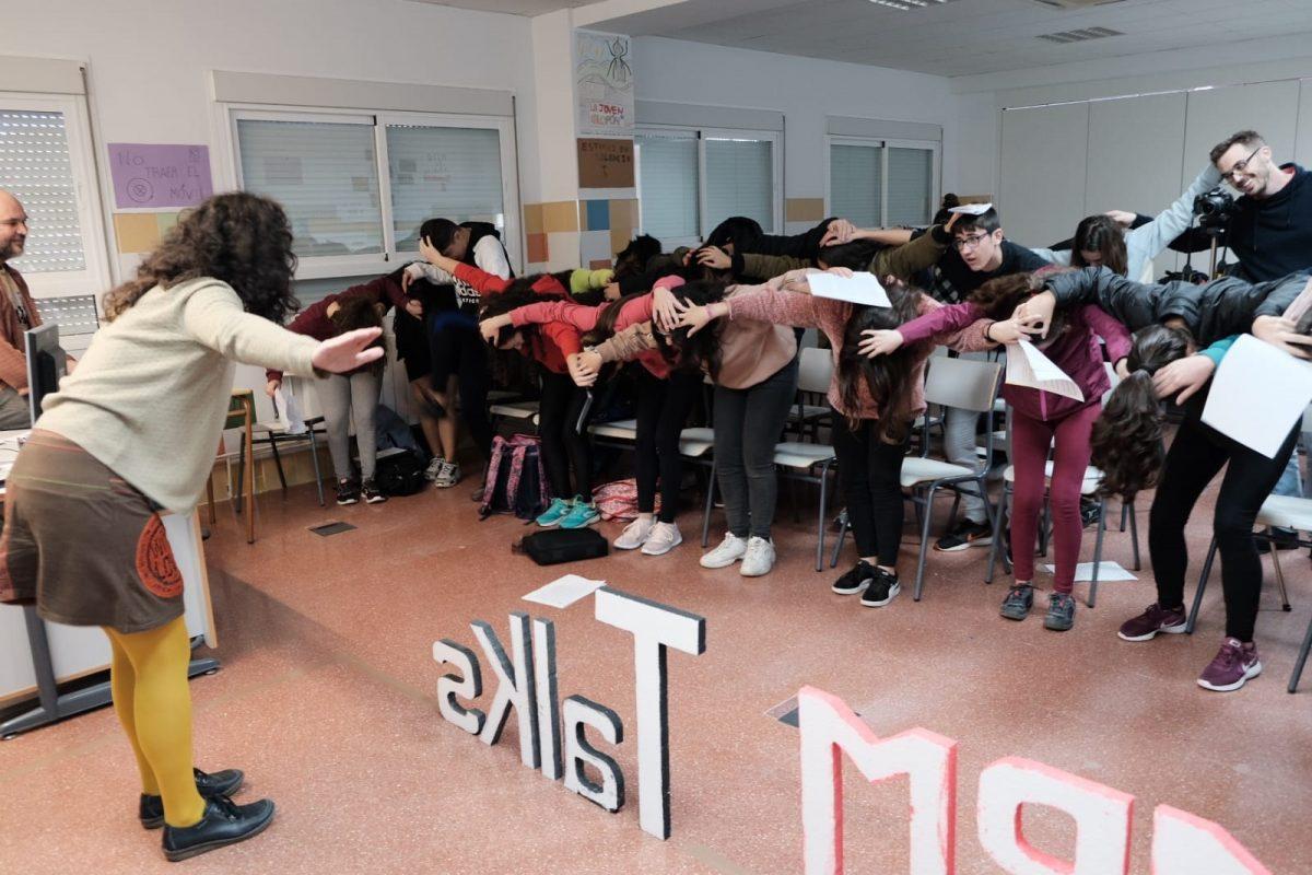 """Preparando las exposiciones del proyecto """"MRM Talks"""" de 3º"""