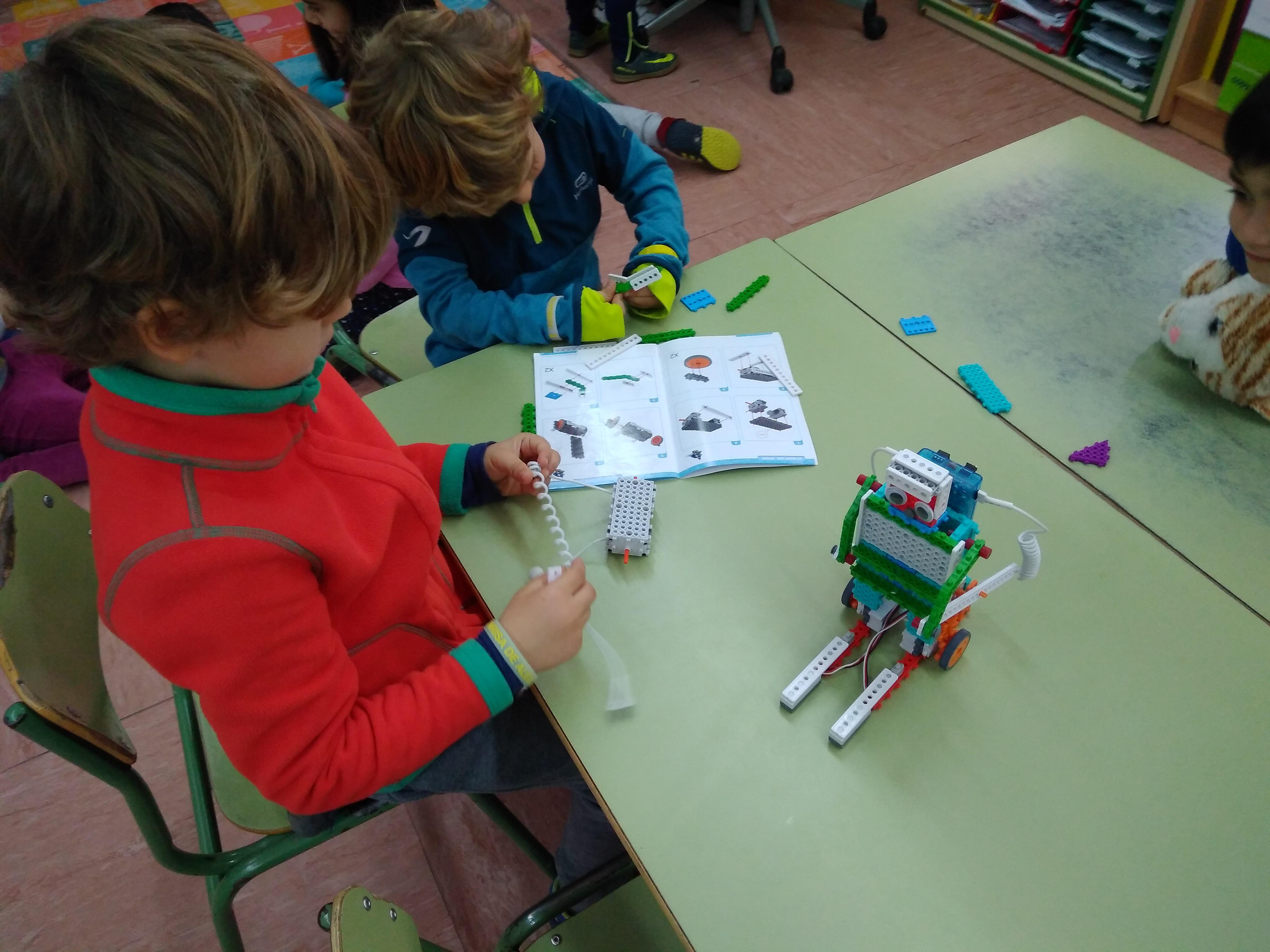 Inventamos nuestros robots.