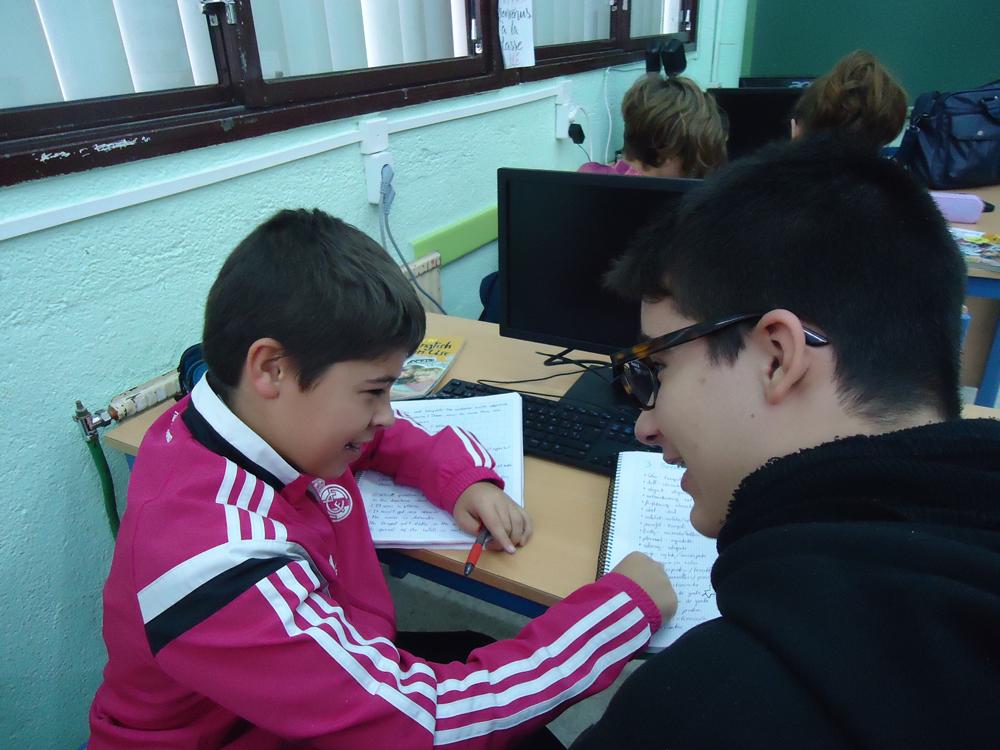 Alumnos de 2º de ESO durante el desarrollo del proyecto.