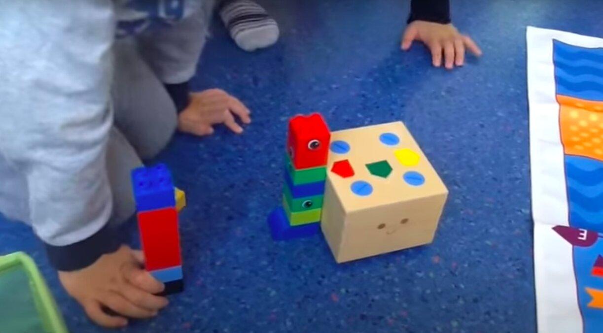 Construimos una torre más alta que Cubetto.