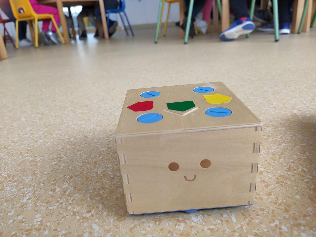 Cubetto en clase.