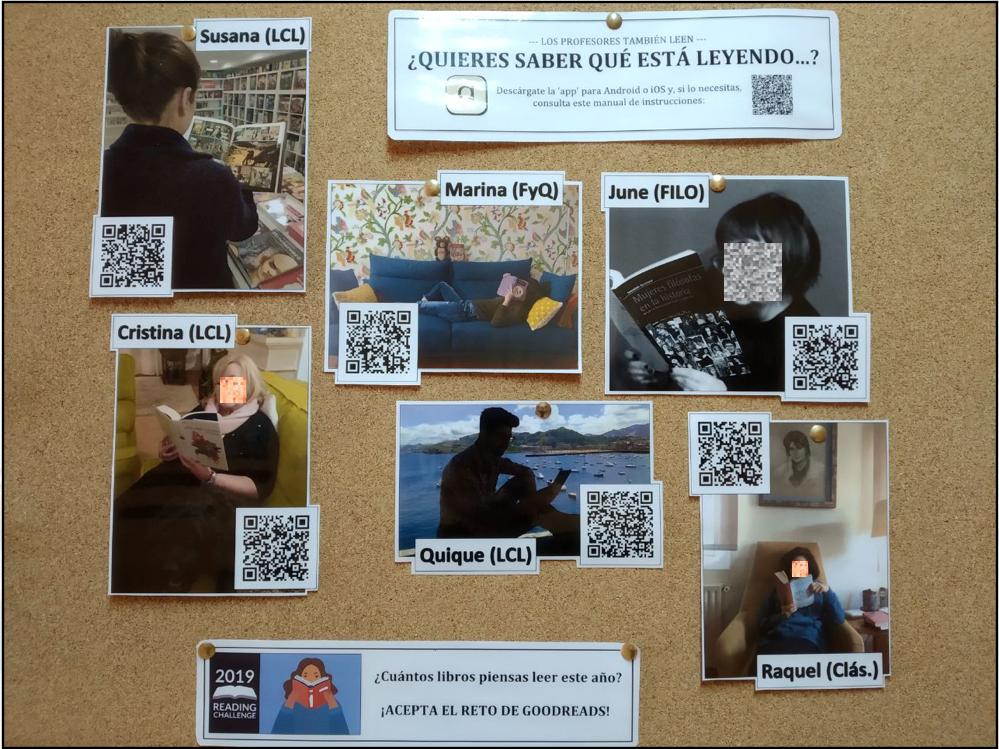 Tablón de anuncios con códigos QR que dirigen a los perfiles en Goodreads de algunos profesores que se han animado a participar en la experiencia.