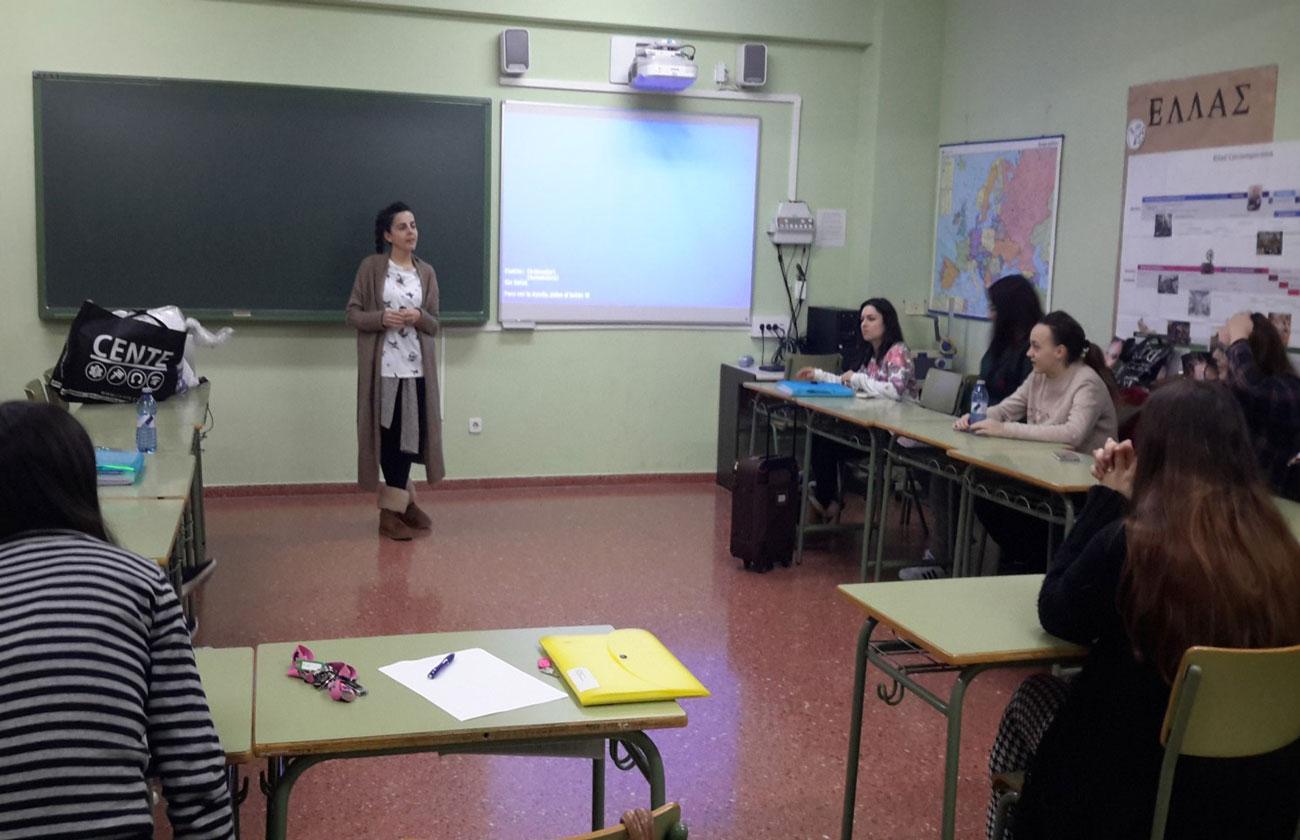 La emprendedora Beatriz Rodríguez Álvarez presentando el reto.