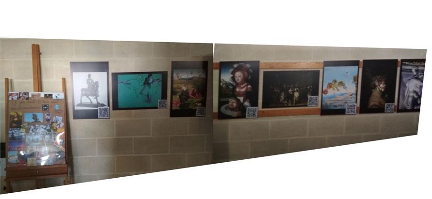 Exposición final expuesta en el hall.